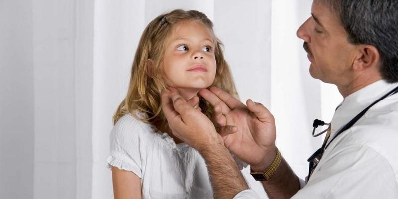 Подвывих шейного отдела позвоночника у ребенка симптомы