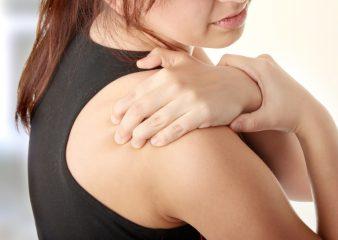 Вывих плеча - как вправить вывих плеча и как лечить вывих плеча?