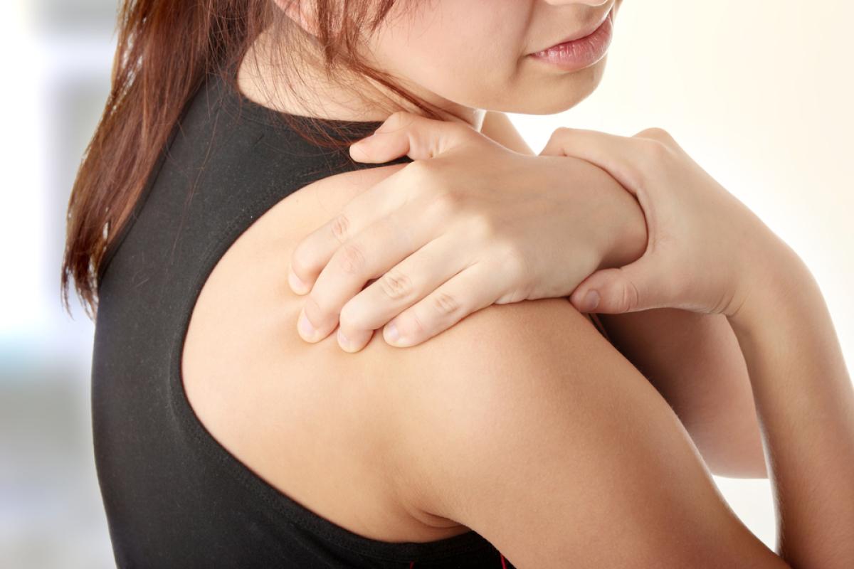 Подвывих плечевого сустава: симптомы и лечение плеча