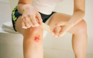 Чем обрабатывать раны и ушибы