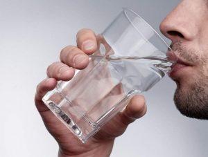 Промывание желудка в домашних условиях при отравлении