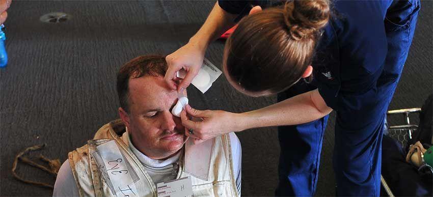 Ожоги глаз: лечение, первая помощь при ожоге глаза